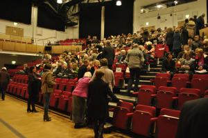 The audience starts to arrive for our Xmas event in the Bromley Hall (Dec. '12)