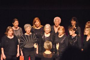 'Just Voices' a cappella group open our Xmas event with festive popular classics (Dec. '12)
